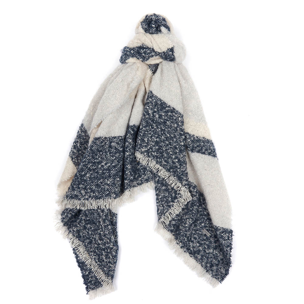 Barbour Barbour Munro Scarf Navy Barbour Lifestyle: From the Winter Tartan collection